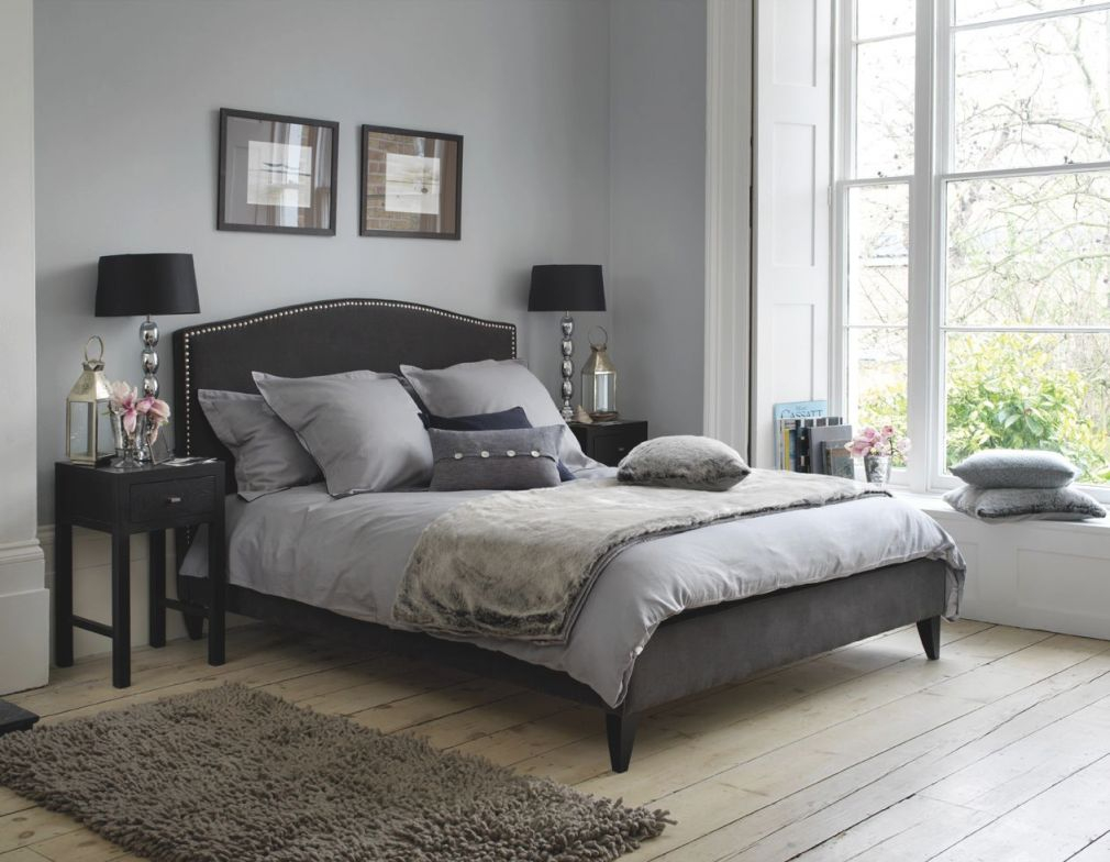 Extraordinary Grey Themed Bedroom Design With Black Throughout Black And Grey Bedroom Decorating Ideas Awesome Decors