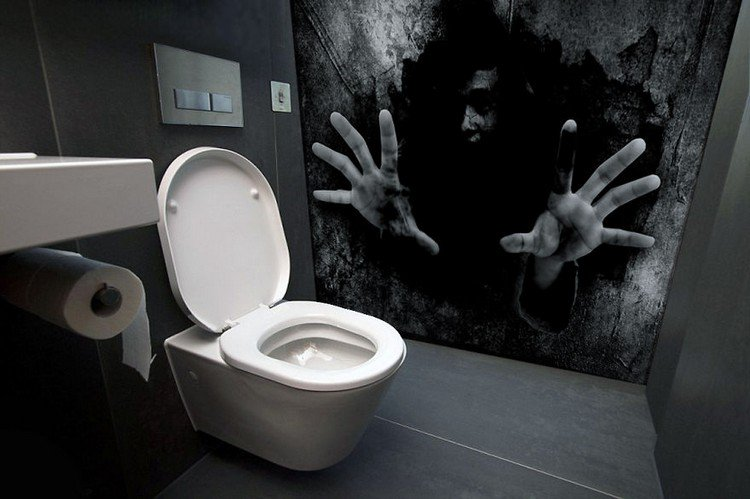 These Scary Bathroom Murals Are The Stuff Of Nighmares