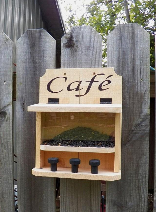 saltriverhomeandgrdn wooden outdoor critter feeder