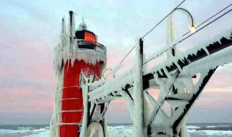 The Awesome Mitten - Continuing a Winter Lighthouse, Lake Michigan Road Trip