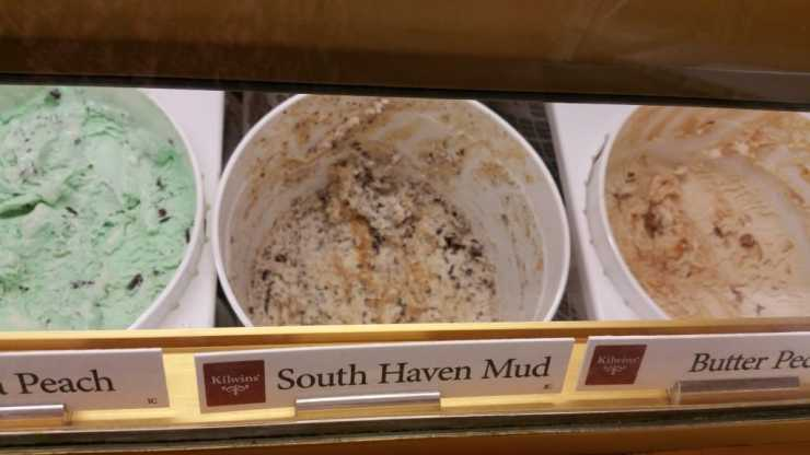 Ice Cream at Kilwins - #MittenTrip - South Haven - The Awesome Mitten