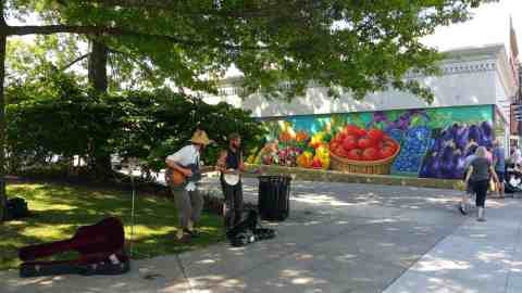 Live Music at South Haven Farmers Market - #MittenTrip - South Haven - The Awesome Mitten