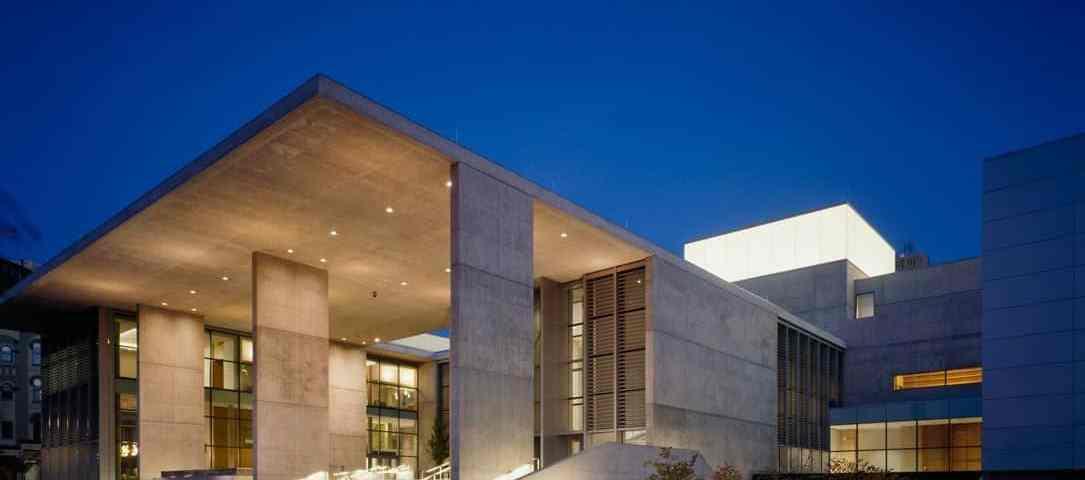 A Downtown Gem: The Grand Rapids Art Museum