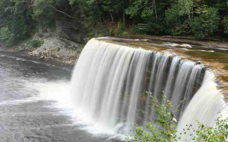 Tahquamenon Falls - #MittenTrip - Sault Ste Marie - The Awesome Mitten