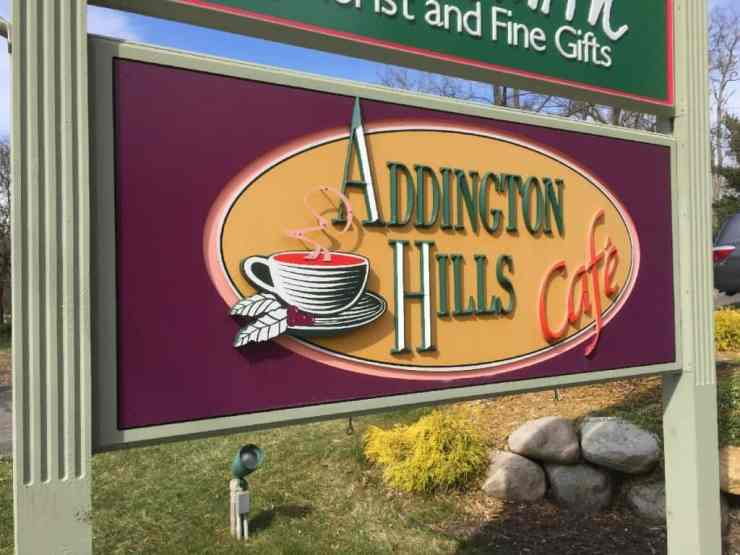 Brunching at Addington Hills Cafe. Photo by Rhonda Greene.