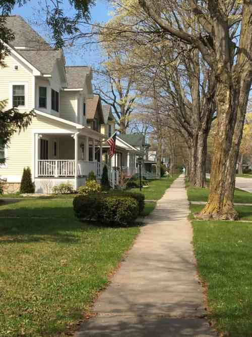Forest Avenue, Frankfort