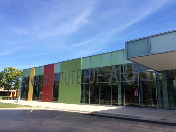 Flint Institute of Arts. Photo courtesy of Joanna Dueweke.