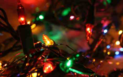 Guide to Holiday Light Displays Around the Mitten