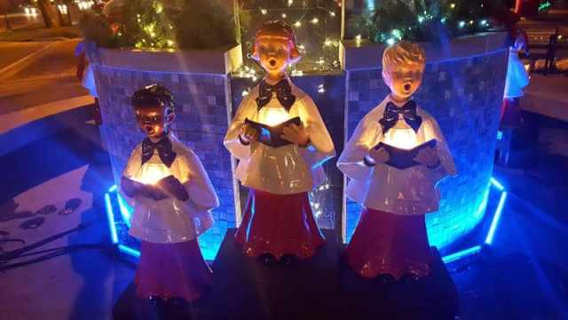 Experiencing Christmas In the Frankenmuth Outdoors - The Awesome Mitten