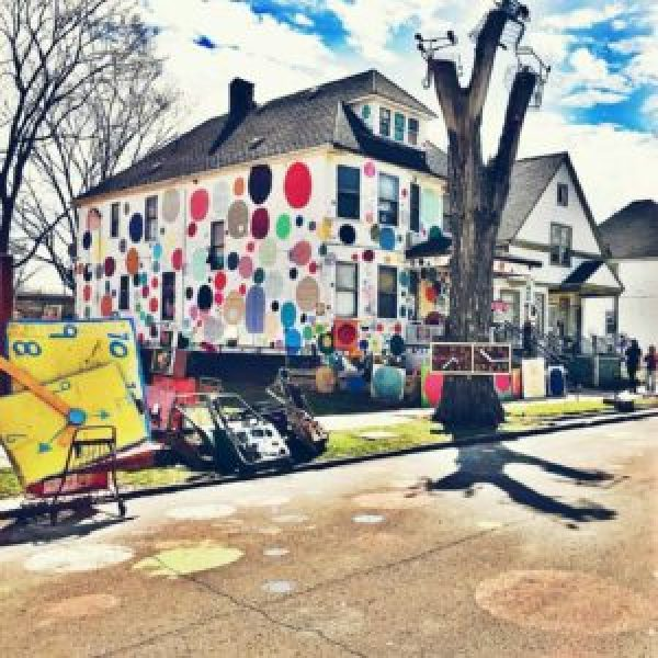 11 Of The Most Instagramable Street Art Pieces In Michigan - The Awesome Mitten