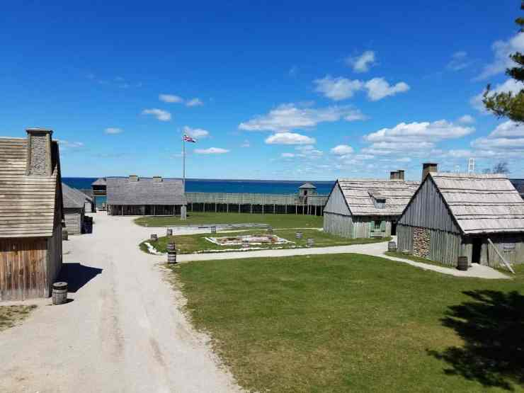 Fort Mackinac: Michigan's Former Gateway - The Awesome Mitten