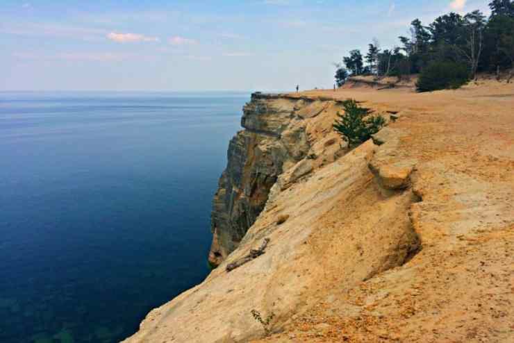 Exploring Pictured Rocks and the Chapel Basin Loop hiking trail - Shalee Blackmer - The Awesome Mitten