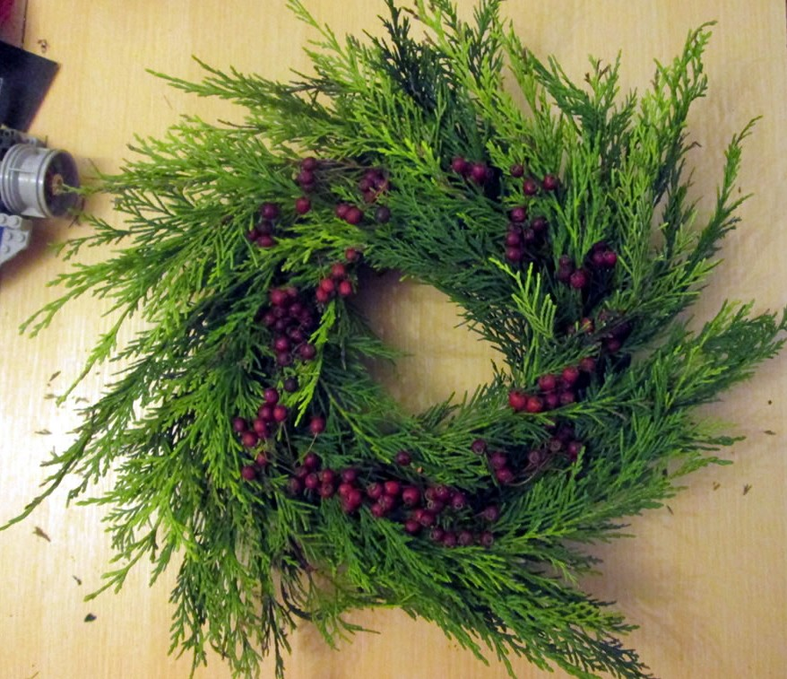 how to make a christmas wreath with foam ring