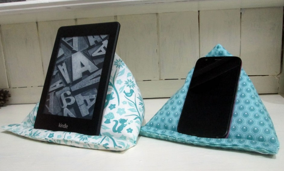 How to Make a Kindle Pillow | Sewing
