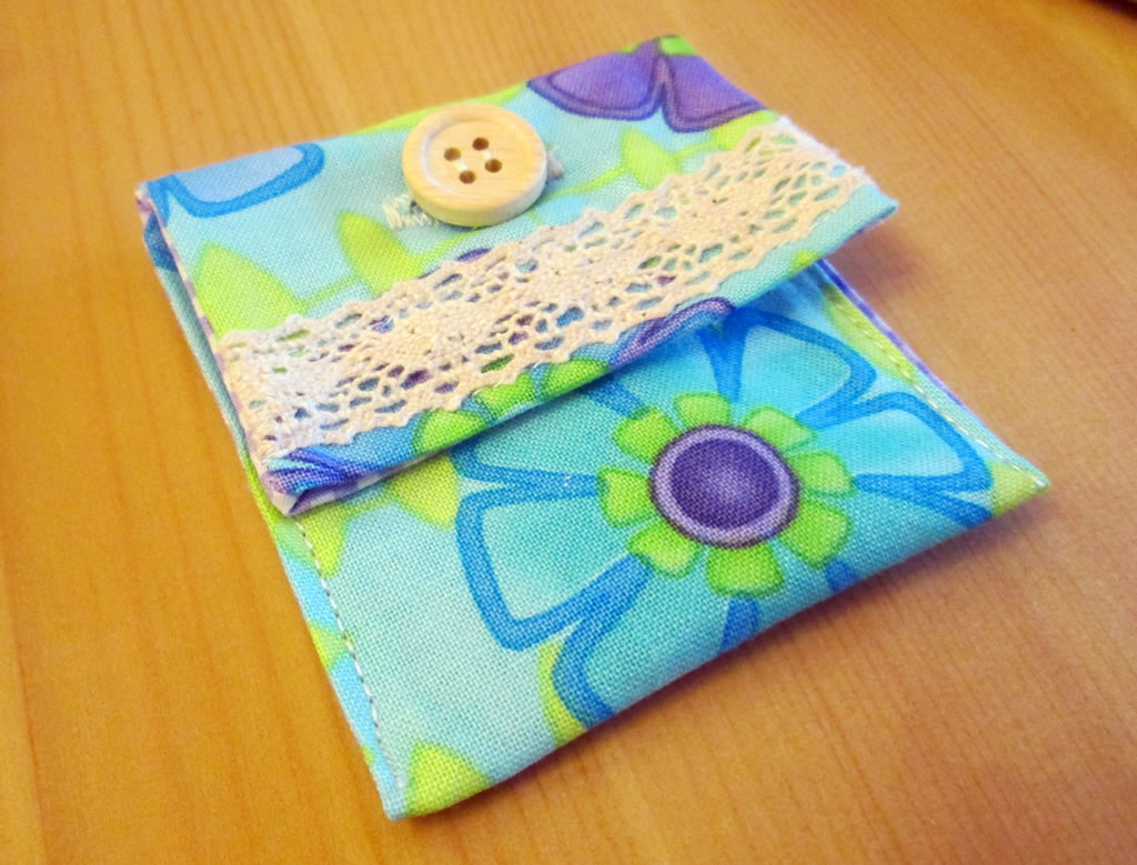 easy button purse quick and easy handmade gift ideas save money on sewing supplies