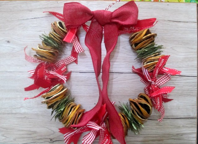 how to make a dried citrus wreath