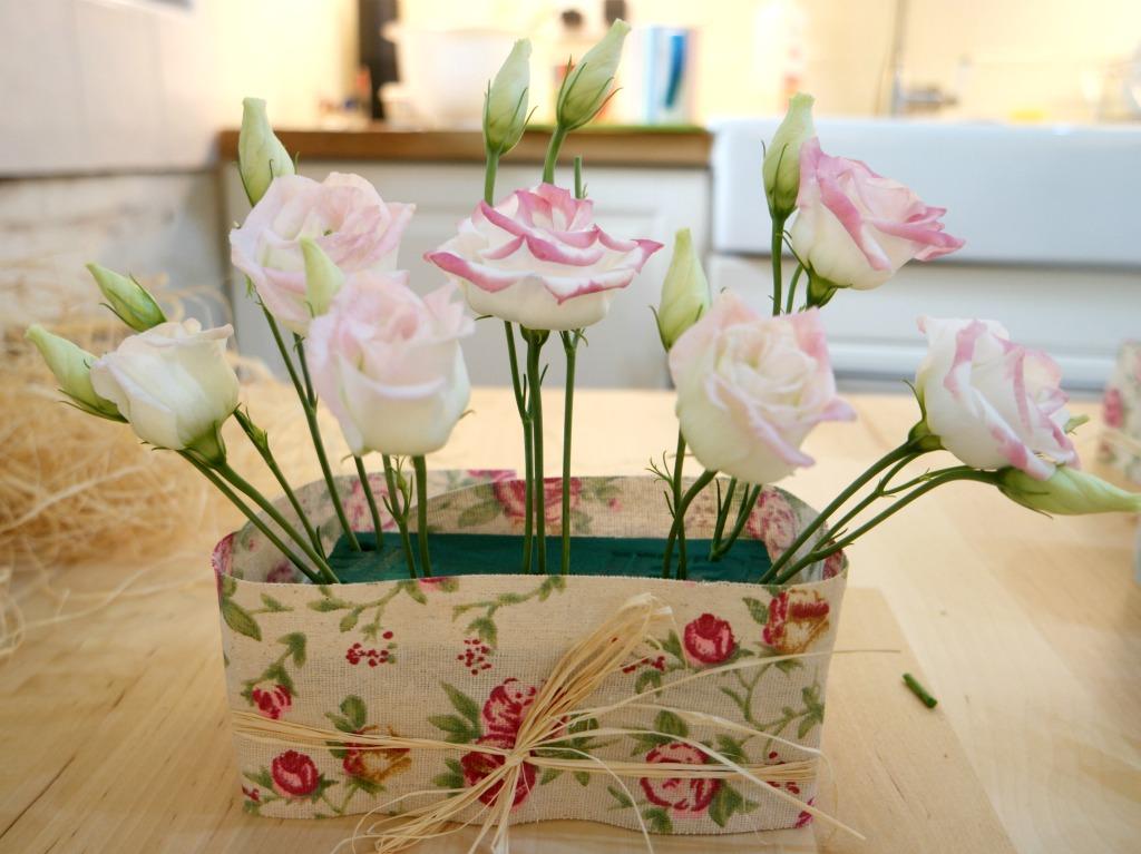 easy flower arrangement