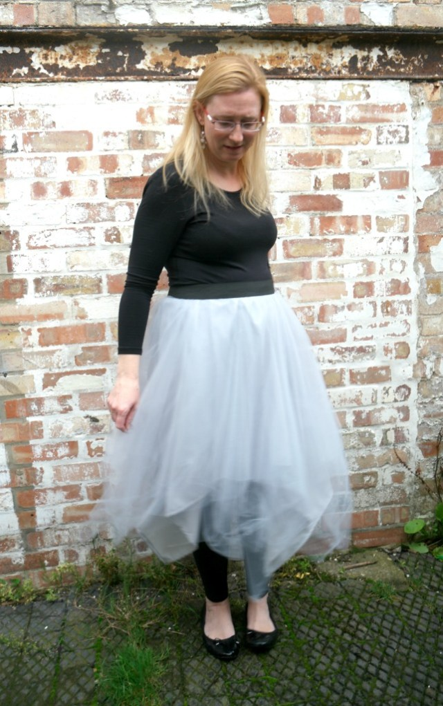 how to make a tulle skirt without a sewing machine