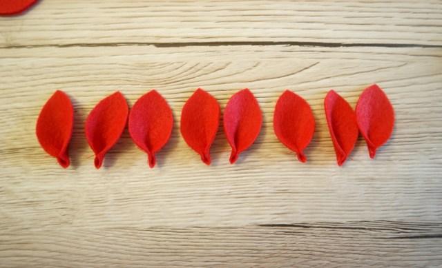 how to make felt poinsettias