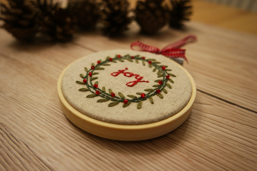 christmas embroidery hoop