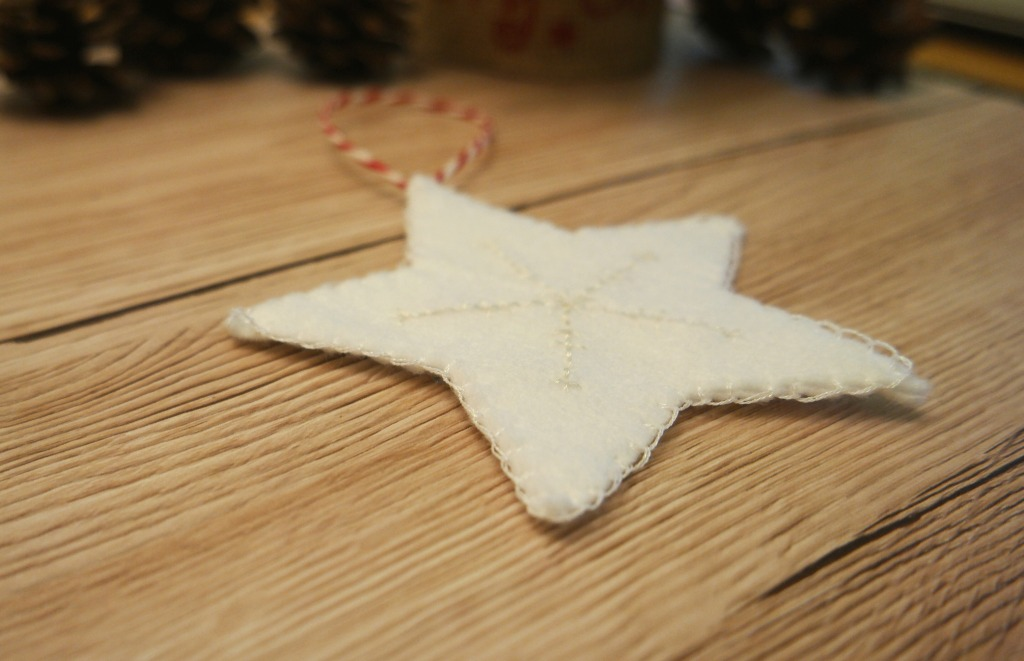 diy embroidered christmas star