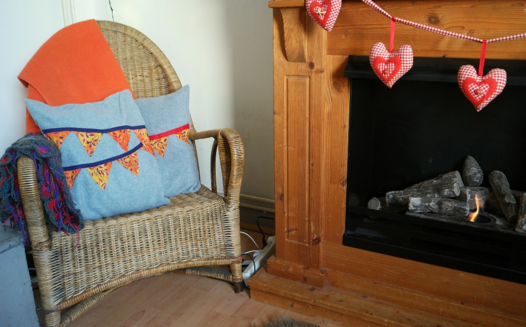 easy fleece bunting cushions