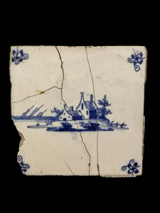 Landschapstegel in drie delen, hoekversiering 'spinnenkopjes', 18de-19de eeuw.