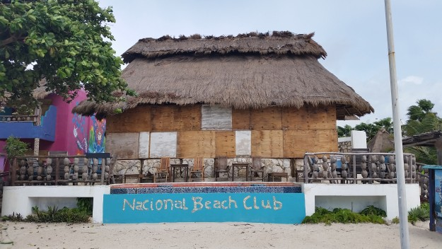 nacional beach club mahaual