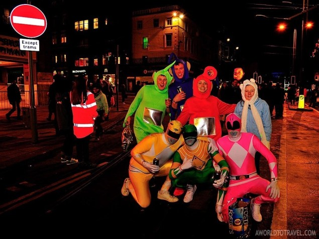 Interesting characters could be seen all over the Street Party. Power Rangers and Teletubbies? Why not!