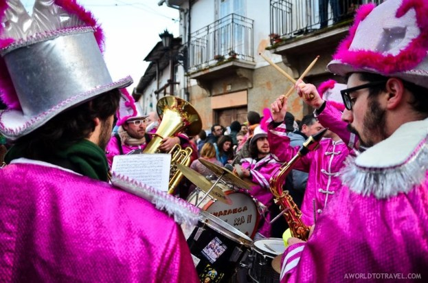 A band warming up Laza before the ants come, Ourense