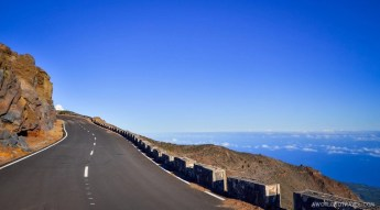 Road to the top of La Palma.