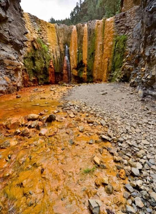 Colors waterfall at Caldera de Taburiente hiking trail, La Palma
