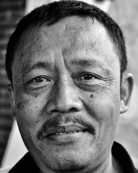 Meet Supri, our guide during the last few days. He is very knowledgeable, friendly, profesional, and also a great singer (in Jiwa Jawa Bromo)