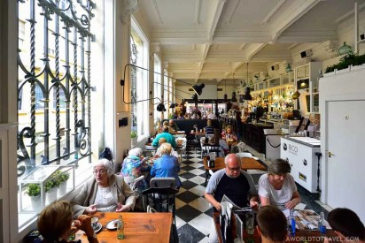BlaBla Cafe - Magdalena Quarter - Fun Things to do in Ferrol - A World to Travel (3)
