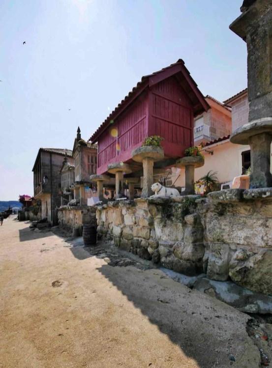 Horreos de Combarro - Poio - Terras de Pontevedra - A World to Travel (5)