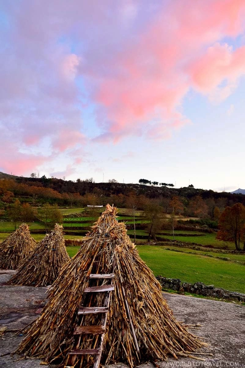 Eiras da Laje - Bustelo da Laje - Cinfaes - Montanhas Magicas Road Trip - Portugal - A World to Travel