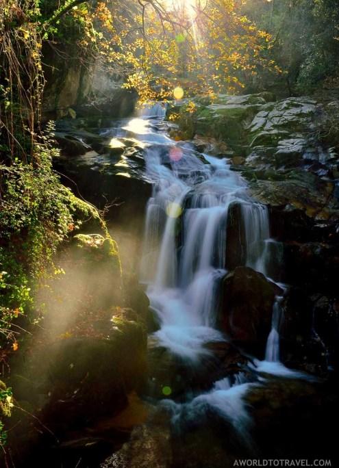 Queda de Agua do Ribeiro de Sampaio - Cinfaes - Montanhas Magicas Road Trip - Portugal - A World to Travel (1)