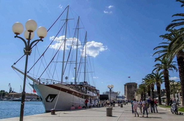 Trogir tall ships - 10 Day Croatia Itinerary From Dubrovnik to Zagreb - A World to Travel