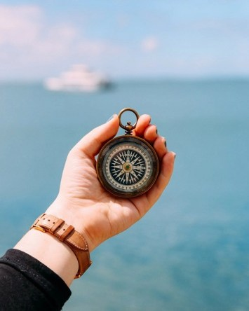 Do You Dream Of Buying A Boat - A World to Travel (4)