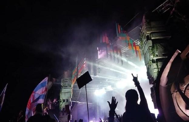 EF2_Carlos Camila - Coolest USA Music Festivals - A World to Travel