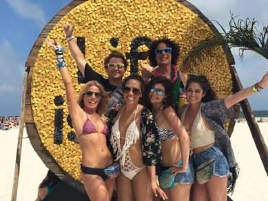 Hangout 2_Ashley Tran - Coolest USA Music Festivals - A World to Travel
