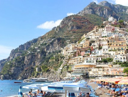 Travel Guide To Naples Italy - A World to Travel (13)