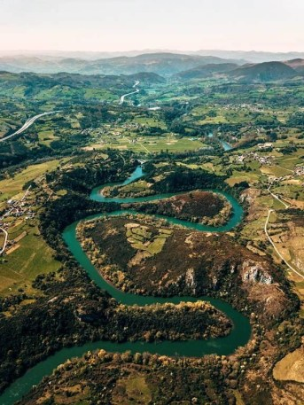 Nora - Hiking Routes in Spain - A World to Travel
