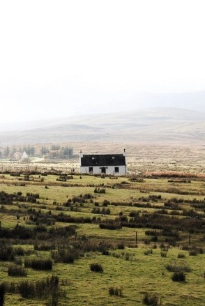 Lone house in Skye - Fun Things To Do In Scotland - A World to Travel