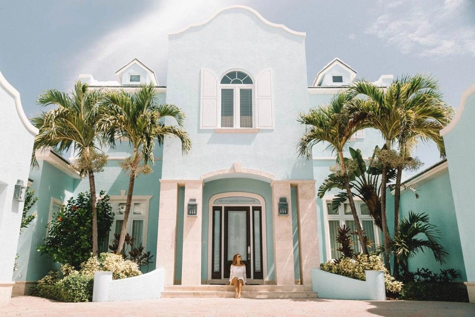 Nassau pastel houses - Most Romantic Beaches In The Bahamas - A World to Travel