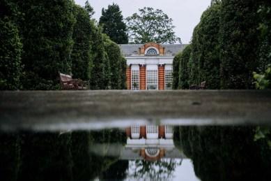 English garden - Inspiring Ideas For Lovely Travel-Themed Gardens - A World to Travel (1)