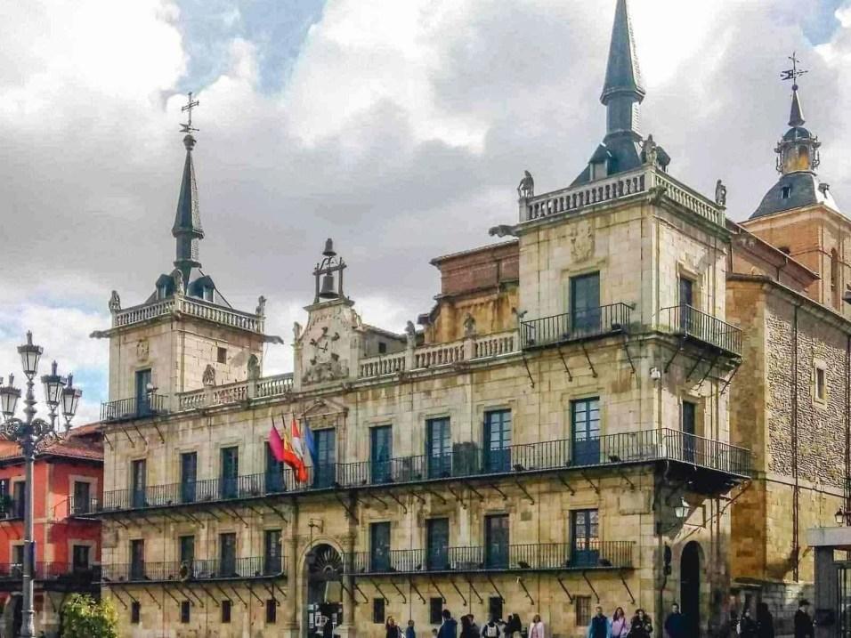 Aviles Oviedo Leon - Camino de Santiago en bici desde León - A World to Travel (2)