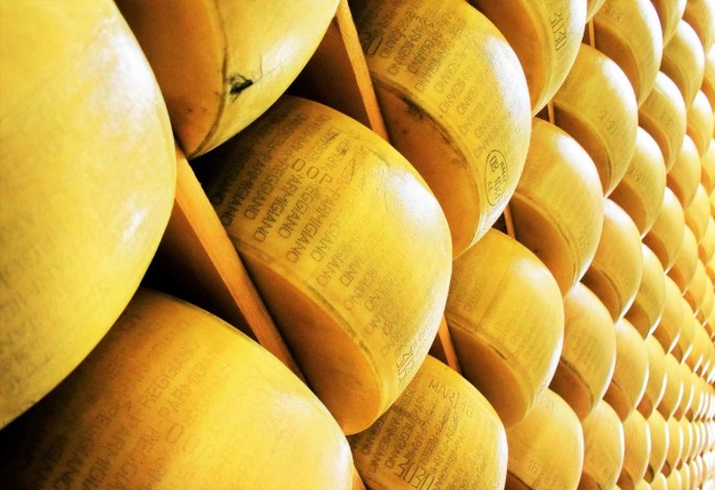 Parmigiano Reggiano cheese factory - Emilia Romagna - A World to Travel