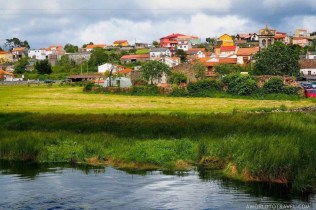 Lires Galicia - A World to Travel
