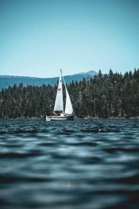 Sailing in Tahoe Lake - A World to Travel
